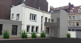 Location  LILLE local commercial 3 pieces, 84m2 habitables, a LILLE